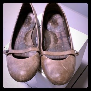 Born brown leather ballet flats, size 11